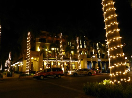 Fifth Ave At Night Picture Of Avenue South Naples