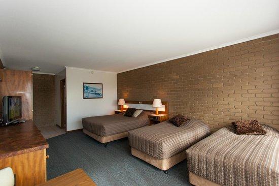 Strzelecki Motor Lodge: Family Room  sleeps 6