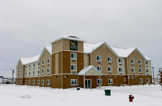 Quality Inn & Suites: Pretty even in the winter