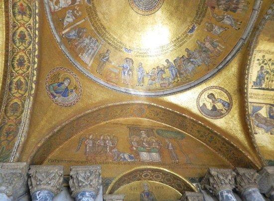 Basilique Saint-Marc : The Narthex (Porch)