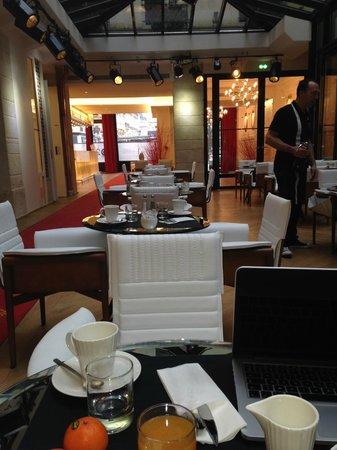 Hotel Le 123 Sebastopol - Astotel: Salle de PDJ