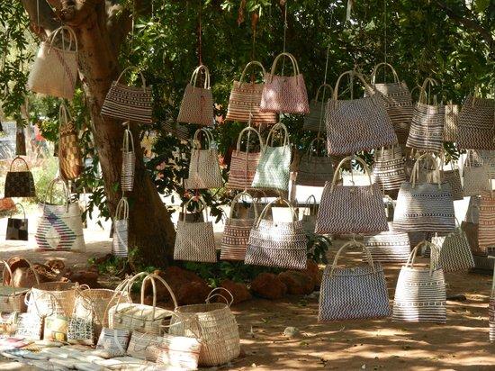 Parque dos Continuadores: Bags for sale