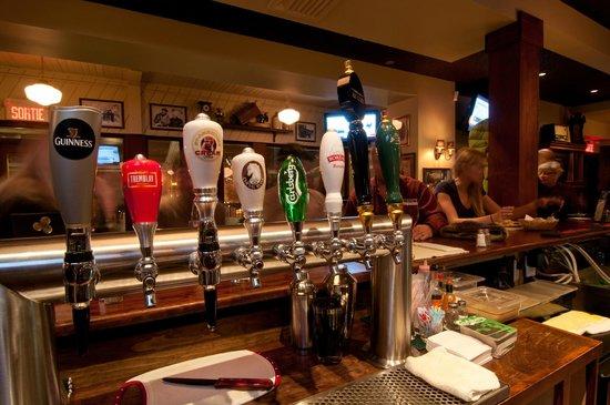 Hotel Mont-Tremblant : Bar Resto Pub Au Coin