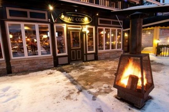 Hotel Mont-Tremblant: Terrasse hiver
