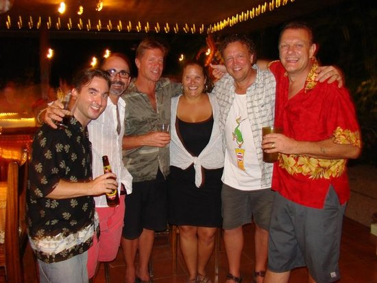 Hotel Bula Bula: Hangin with the owners