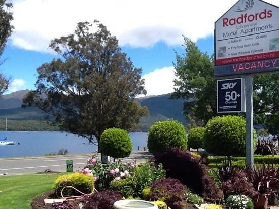 Radfords on the Lake : Aussicht auf den See direkt vom Motel aus