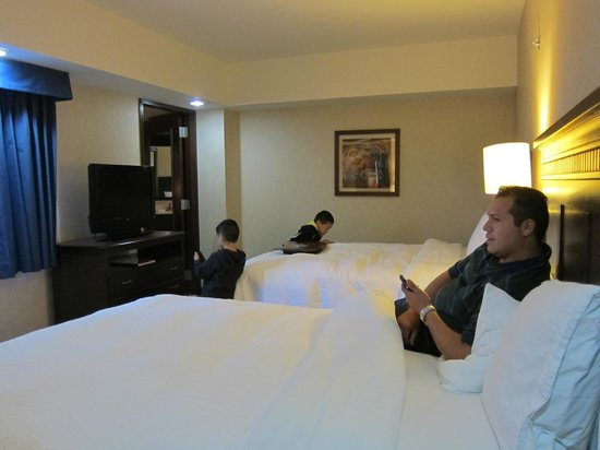 Hampton Inn & Suites Mexico City - Centro Historico: 2 queen size beds