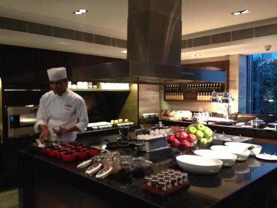 JW Marriott Hotel New Delhi Aerocity: Yudhveer in the executive kitchen making something yummy!