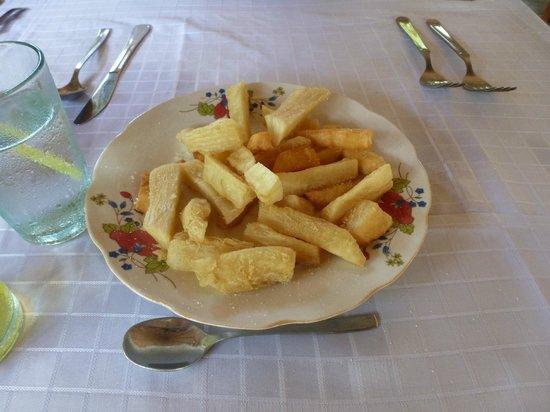 Brisas Sierra Mar Hotel: Oceano restaurant yucca fries = yummy