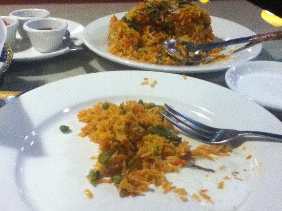 La Quinta Inn & Suites Elizabethtown: Great Indian Restaurant next door