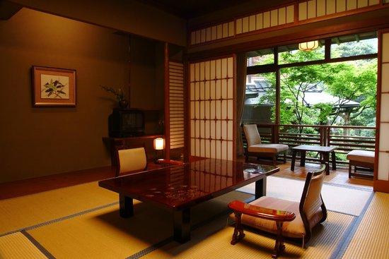 Nishimuraya Honkan: 和室8畳