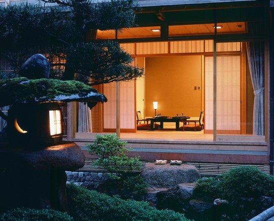 Nishimuraya Honkan: 和室8畳 景観