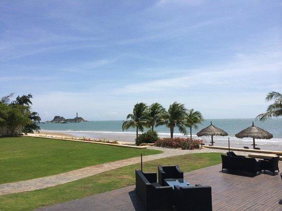 Princess D'An Nam Resort & Spa : Clearn beach