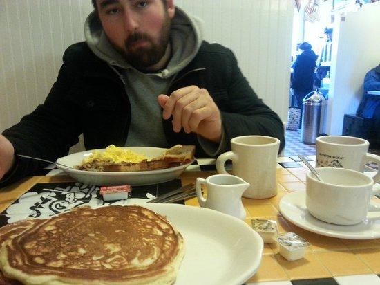 Boynton-McKay Food Co.: delicious blueberry pancakes!
