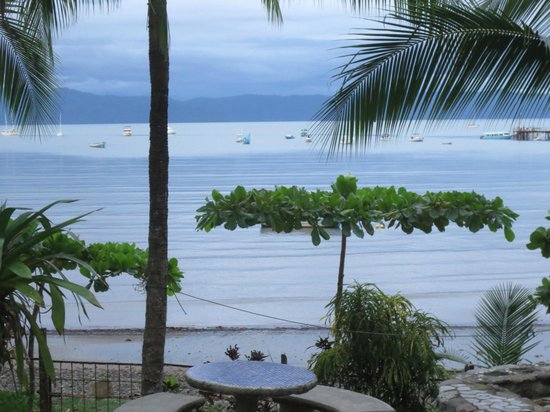 Cabinas Jimenez: view from the pooel area