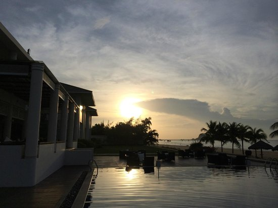 Princess D'An Nam Resort & Spa: Sunrise at resort