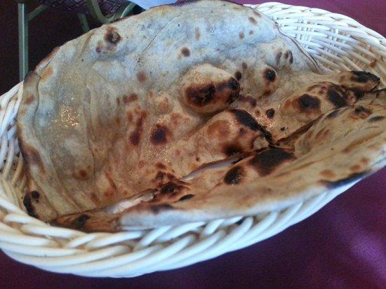 Indian Tavern Tandoori: Butter naan :)