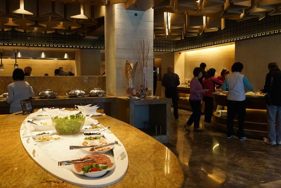 Crowne Plaza Kathmandu-Soaltee: 酒店的早餐餐廳部分角落.