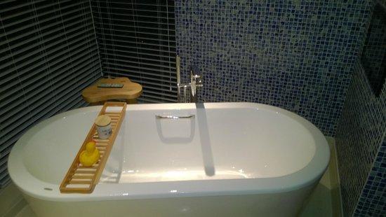 Hotel Indigo Shanghai on the Bund : Bath room