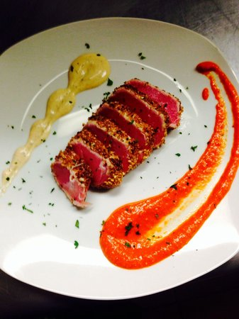 Pomodoro Grill : Seared garlic sesame seed crusted tuna. Spicy Dijon aioli, and cool romesco sauce.