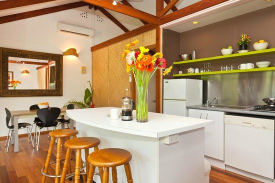 Tallow Beach Houses : Kitchen/dining