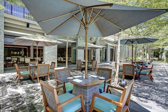 Courtyard by Marriott Bali Nusa Dua Resort: Momo Cafe