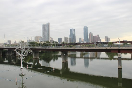 Lady Bird Lake Hike-and-Bike Trail: View of Downtown from South