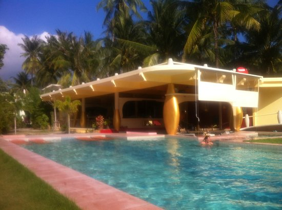 Le Divine Comedie: Pool and Bar/Restaurant