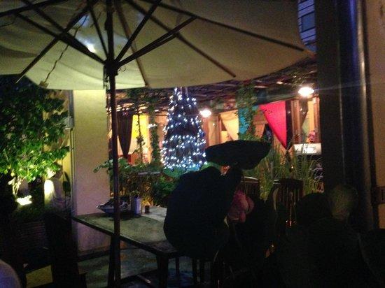 Secret Garden Home-cooked Vietnamese Restaurant: dining area