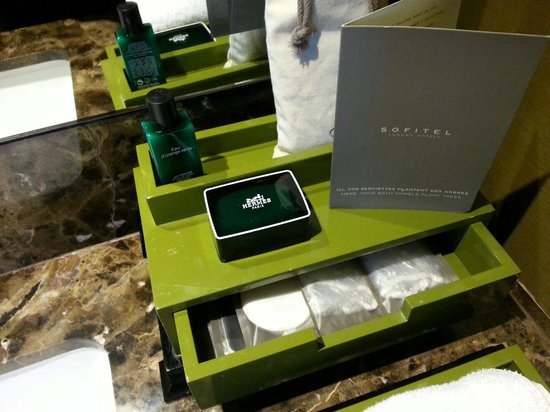 Sofitel Bangkok Sukhumvit: Our Suite Luxury Bathroom Amenities ;-)