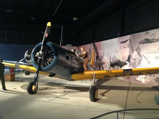Southern Museum of Flight: WW II U.S. BT-13 Intermediate Aircraft Trainer