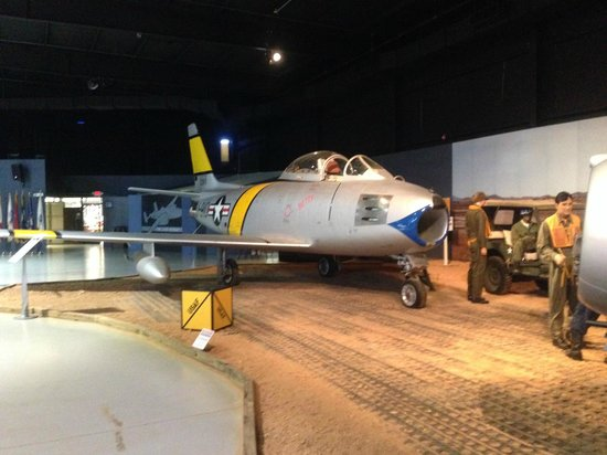 Southern Museum of Flight: Korean War U.S. F-86F Saberjet