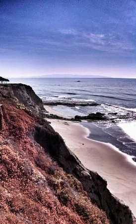 Spyglass Inn: view from the beach side of the hotel