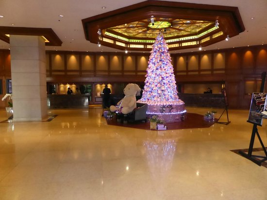 Landmark Bangkok : Lobby with Christmas decorations