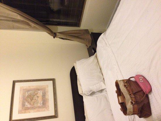 Morningside Inn: Standard full bed room w shared bathroom-LVS