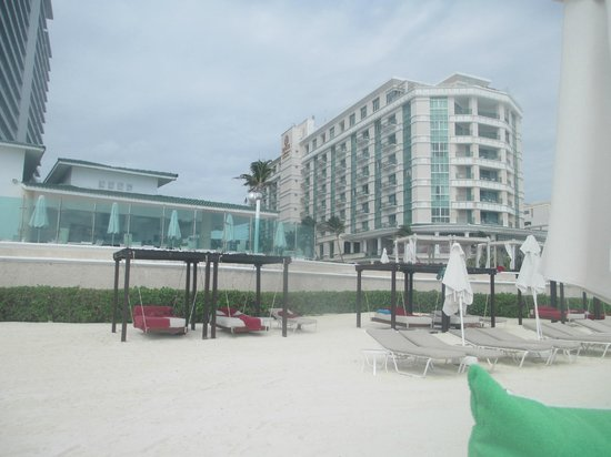 Sandos Cancun Lifestyle Resort : From the beach looking up at Sandos….