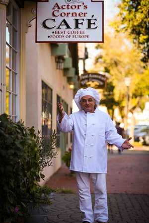 Actor's Corner Cafe: Chef Santo