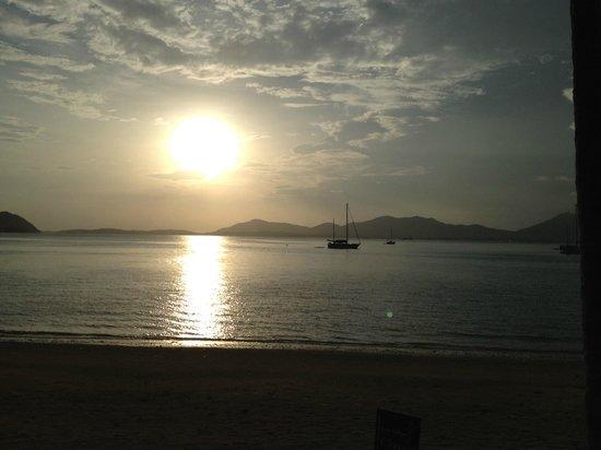 Cloud19 Beach Retreat: Sunset
