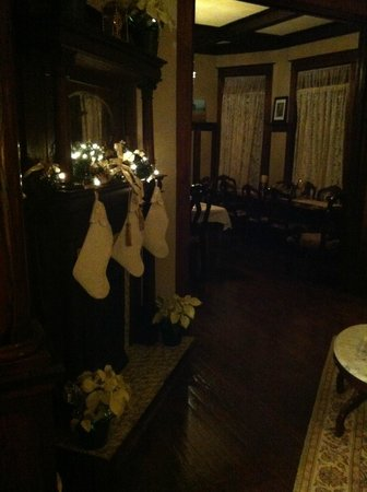 Eva's Escape at the Gardenia Inn: The Living area decorated for christmas
