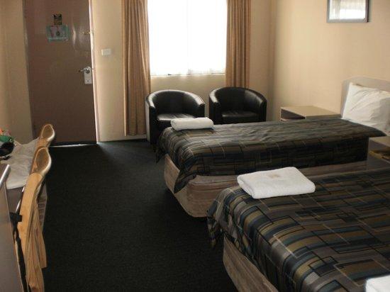 The Bakehouse Motel : Room 12 from bathroom door