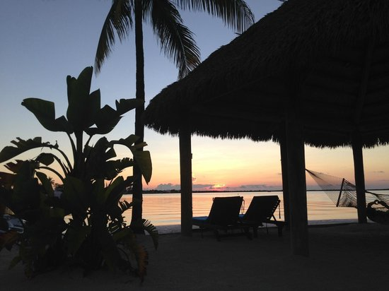 Key Largo Bay Marriott Beach Resort: Grab a bottle of wine and a seat. It's sunset time!