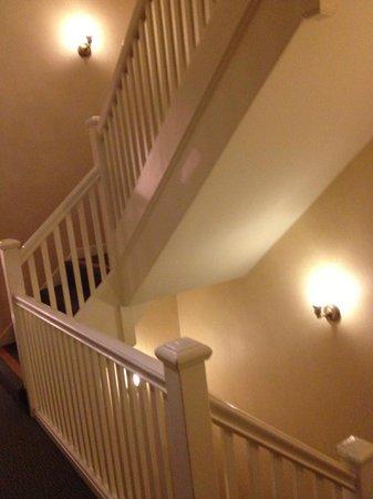 Inn at the Opera: Nice wood balustrade stairs