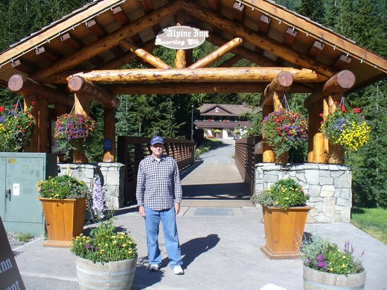 Crystal Mountain Hotels Alpine Inn : View from the entrance