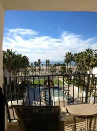 Hyatt Regency Huntington Beach Resort & Spa: Full ocean view (the 2nd room we were moved into)