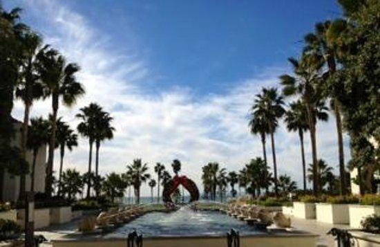 Hyatt Regency Huntington Beach Resort & Spa: View facing PCH