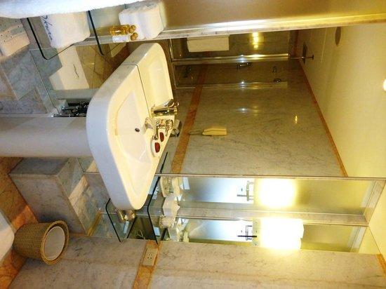 Hotel Okura Tokyo : バスルーム