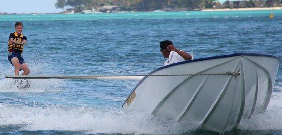 Trou aux Biches Beachcomber Golf Resort & Spa: Watersports well run