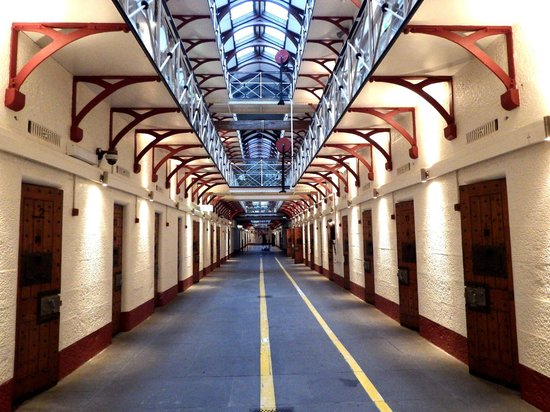 Lantern Ghost Tours - Pentridge Prison Ghost Tours