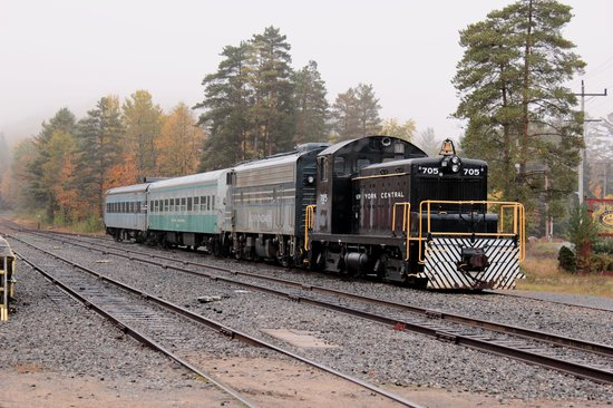 Adirondack Scenic Railroad: train