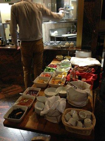 Hotel Rivoli Jardin: breakfast buffet
